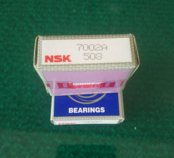 NSK angular contact ball bearing 7002A made in Japan size 15*32*9 mm