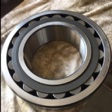 In Stock Original SKF 22240 Spherical Roller Bearing 22240 22240cc 22240ccw33